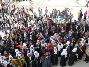 HDP'nin Van Mitingi Sönük Geçti