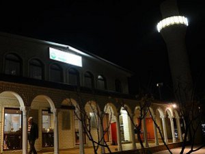 Avustralya'da İslam Karşıtları Camileri Hedef Gösterdi