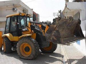 Diyarbakır'da Bazı Belediyelerin İş Makinelerine El Konuldu