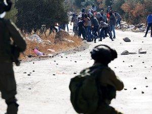 İşgalci İsrail Taşla Direnenlere 3 Yıl Hapis İstiyor!