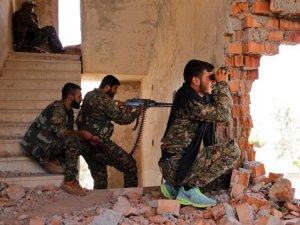 PYD 107 Arap ve Türkmen Köyünü Boşalttı