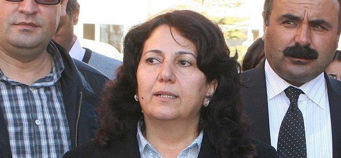 Yüksekova Belediye Başkanı Yetişkin Görevden Uzaklaştırıldı