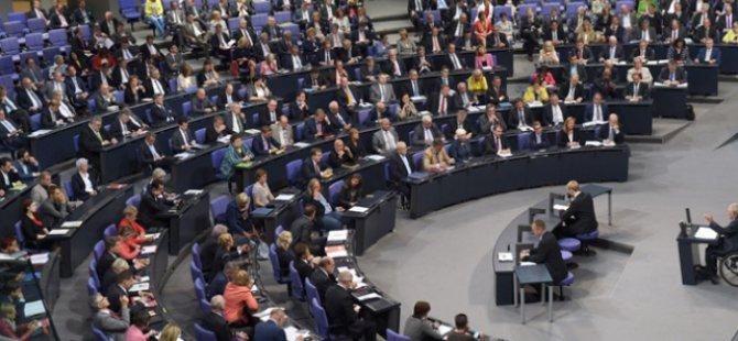Almanya'da Sığınmacı Yasası Kabul Edildi