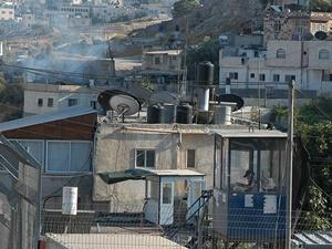 Yahudi İşgalciler Filistinlilere Ait 2 Eve El Koydu!