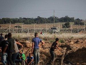 Siyonistler, Gazze Sınırındaki Eyleme Gerçek Mermi İle Saldırdı