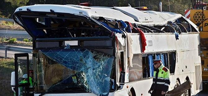 Fransa'da Trafik Kazası: 42 Kişi Hayatını Kaybetti