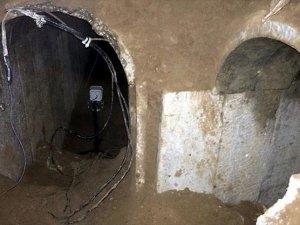 Mısır Gazze Sınırında 12 Yeni Tüneli Yıktı