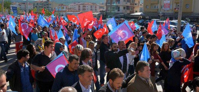 Broşür Dağıtan AK Partililere Saldırı Protesto Edildi