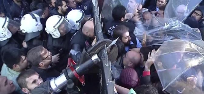 Kayyum Atanmasını Protesto Eden İki Kişi Gözaltına Alındı