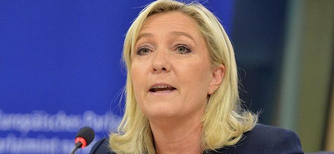 """Irkçı"" Partinin Lideri Le Pen'e Sahte Oy Suçlaması"