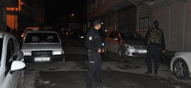 Gaziantep'te Bir Otomobilde Patlayıcı Malzemeler Bulundu!