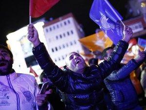 Arap Basını: AK Parti'den Tarihi Bir Zafer
