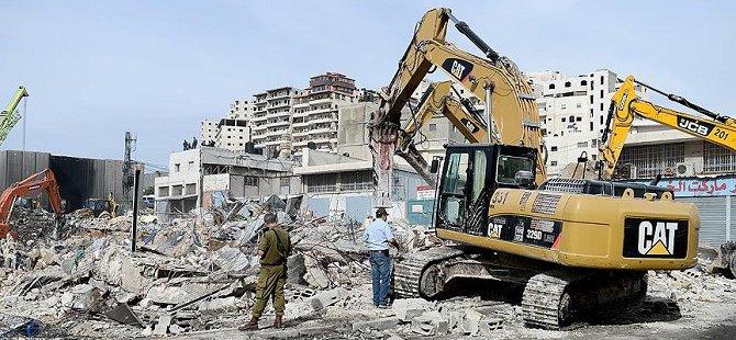 Siyonistler Bir Filistinlinin Evini Yıktı
