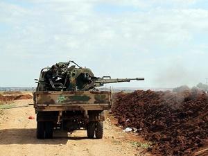 Suriyeli Direnişçiler Hama'da İlerliyor