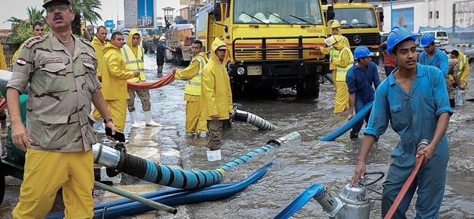 Mısır'da Şiddetli Yağış ve Fırtına: 17 Kişi Hayatını Kaybetti