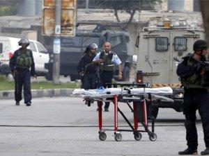 Siyonist İsrail Askeri 72 Yaşındaki Kadını Katletti