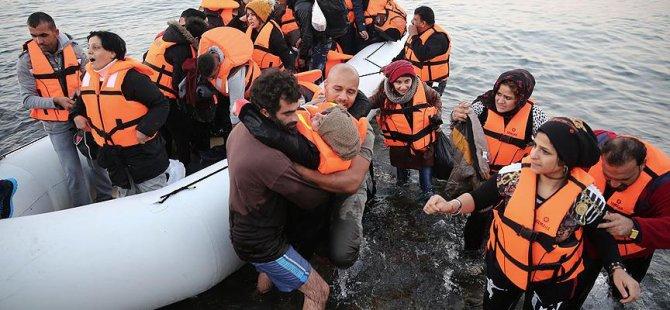 Yunanistan'ın Nüfusu Kadar Suriyeli Göç Etti!