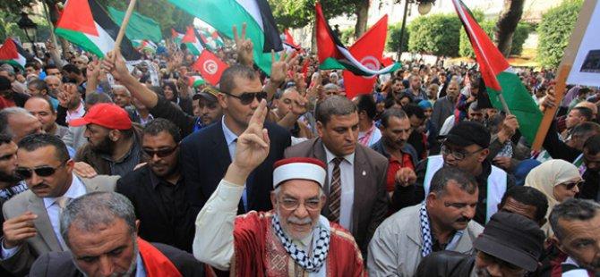 Tunuslular Filistinliler İçin Toplandı