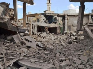 Rus Uçakları Halep'te 10 Sivili Katletti