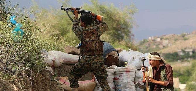 Yemen'de Husiler 9 Kişiyi Öldürdü