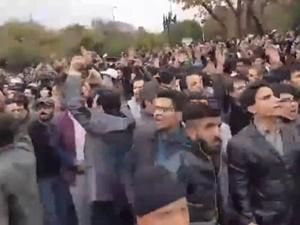 İran Azerileri Sokağa Döküldü: Irkçılığı Durdurun!