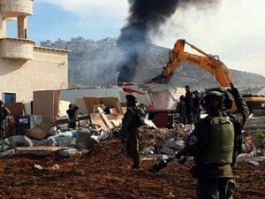 Siyonist Yönetim Nabluslu 11 Ailenin Evini Yıkacak