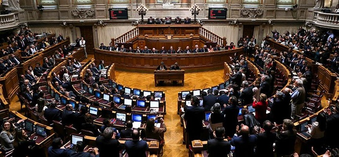 Portekiz'de 10 Günlük Hükûmet Düştü