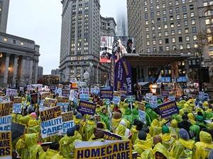 ABD'nin Birçok Şehrinde Asgari Ücret Protestoları Yapıldı