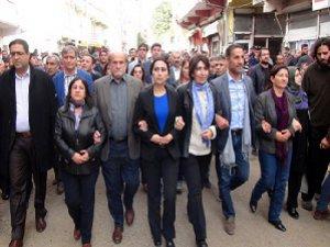 HDP'li Vekiller Silvan'a Sokulmadı