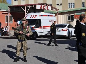 Diyarbakır'da 2 Asker Hayatını Kaybetti