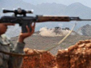 Taliban Afganistan'da 2 Karakolu Ele Geçirdi