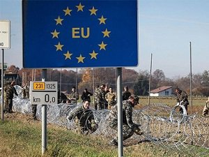 Avusturya da Sınırlarına Tel Örgü Çekti