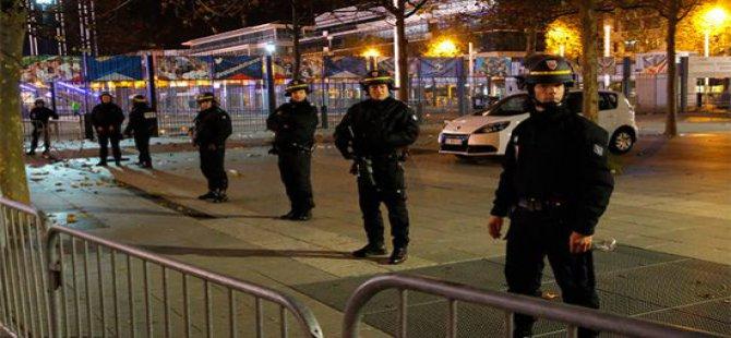 Fransa'da Olağanüstü Hal İlanı ve Sınırlar Kapatıldı