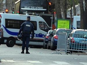 Fransa'da Bayrak Satışları Rekor Kırıyor