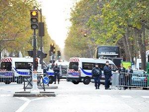 Paris'teki Saldırılarla İlgili Bir Otomobil Daha Bulundu