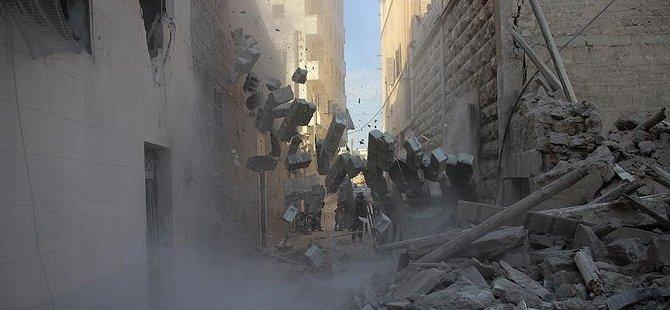 Rusya Suriye'den Kaçan Sivillere Saldırdı