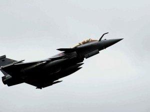 Fransa Rakka'ya Saldırılarını Sürdürüyor