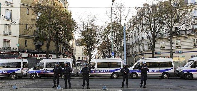Fransa'da Dün Gece 25 Kişi Gözaltına Alındı