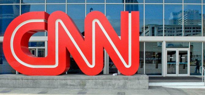 CNN, Trump'ı Eleştiren Sunucuyu Kovdu