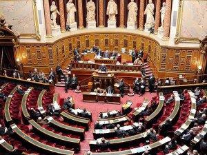 Fransa'da Ermeni Yasa Teklifi Komisyona Gönderildi