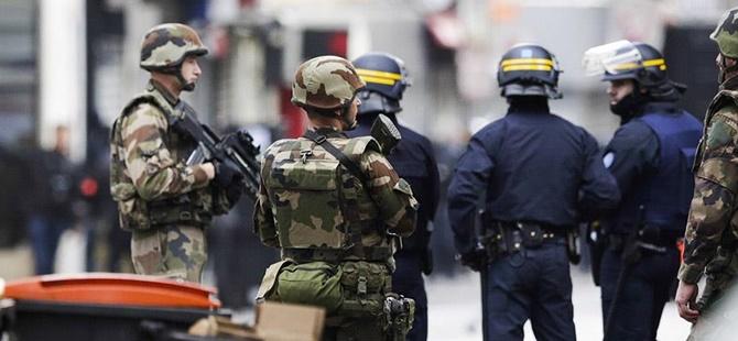 """""""Fransa'da Bir Saldırı Girişimi Son Anda Engellendi"""""""