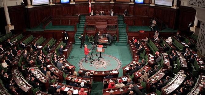 Tunus'ta Nida Tunus Partisi'nin 32 Milletvekili İstifa Etti