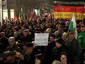 İslâm Düşmanı PEGIDA'dan Almanya'da Bir Gösteri Daha!
