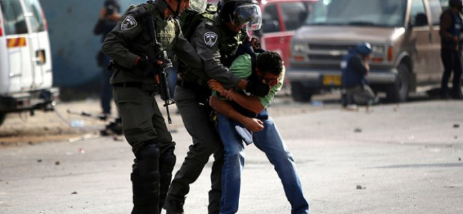 Batı Şeria ve Kudüs'te 914 Filistinli Gözaltına Alındı
