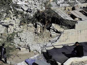 İşgalci İsrail, 2 Filistinli Ailenin Evini Daha Yıkacak!