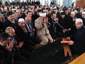 Kur'an Kursu Yangınında Ölenler İçin Tören