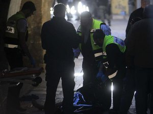 Siyonist İsrail Polisi Bir Filistinliyi Katletti
