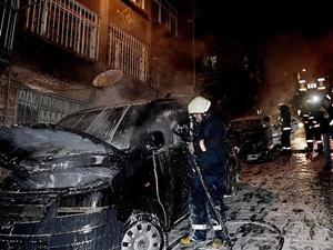 İstanbul'un Beyoğlu İlçesinde 6 Araç Kundaklandı!