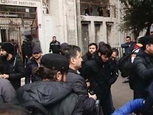 İslâm'a Hakarete Müslüman Öğrenciler Geçit Vermedi!