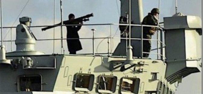 Çavuşoğlu'ndan Füze Taşıyan Rus Askere Tepki